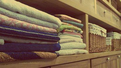 Cum ai grijă de hainele bebelușului tău: sfaturi utile