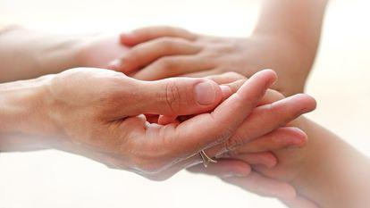Părinții vor primi indemnizație și pentru îngrijirea copiilor bolnavi de peste 16 ani