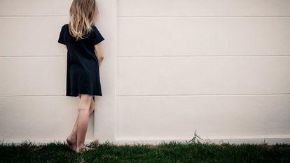 O adolescentă s-a sinucis după ce a fost victima unui viol și a agresiunilor în mediul online