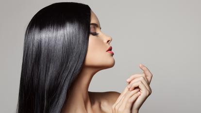 Cum poți obține un păr drept și mătăsos în mod natural