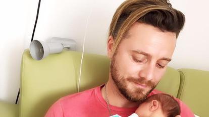 Gabriela Cristea și fetița ei au fost externate din spital. Tavi Clonda și-a adus, astăzi, fetele acasă