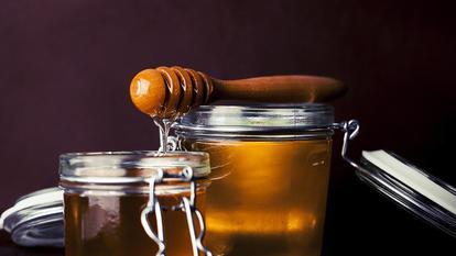 (P) Mierea de Manuka și beneficiile acesteia pentru ten