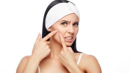 Alimentele pe care trebuie să le eviți dacă ai probleme cu acneea