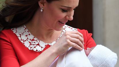 Primele imagini cu Kate Middleton și bebelușul regal