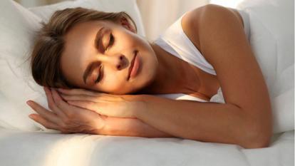 Femeile care se trezesc devreme de dimineață au un risc mai mic de a face cancer de sân