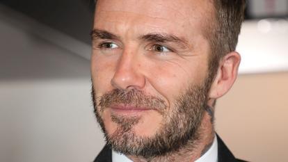 Cum arată bărbatul care a cheltuit aproape 37.000 de euro ca să arate ca David Beckham