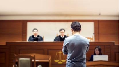 și dă părinții în judecată pentru că nu i-au cerut acordul înainte să-l aducă pe lume