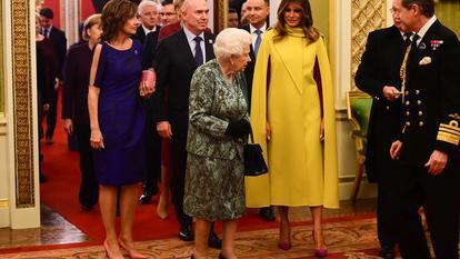 Ce ținute au purtat Primele Doamne la recepția oferită de Regina Elisabeta a II-a