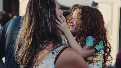 Cum să crești un copil bun și atent la nevoile celor din jur