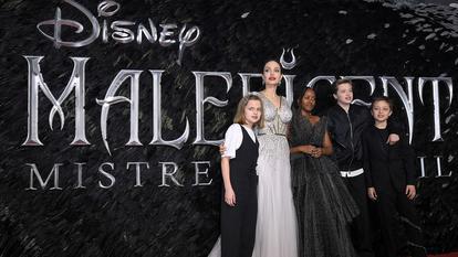 Angelina Jolie, Yahara, Vivienne, Shiloh şi Knox