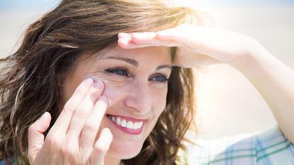 Crema de protecție solară este expirată? Iată cum îți dai seama