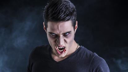 INCREDIBIL: Iată de ce ne atrag vampirii