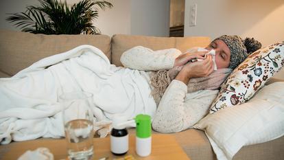 VA FI PRĂPĂD: gripa sezonieră și COVID-ul se pot suprapune. Șanse minime de supraviețuire