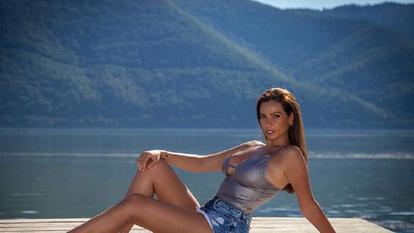 Un nou cuplu în lumea mondenă din România! Firava Iuliana Luciu cu luptătorul MMA Cristi Mitrea au sau nu o relație amoroasă?