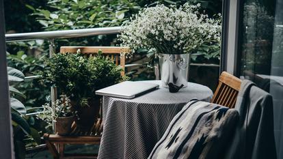 Idei pentru un balcon confortabil și practic