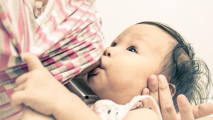 3 reguli pentru mama care alăptează