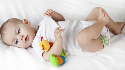 Cum dezbraci bebelusul de body