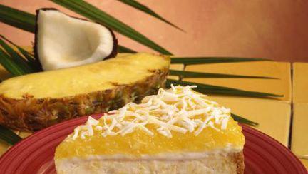 Reţete raw: Prăjitură hawaiană cu nucă de cocos şi ananas fără foc