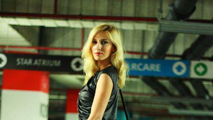 Dana Rogoz e una din fetele Bond?