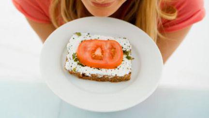 Dietă: 5 variante dietetice pentru cele mai populare gustări