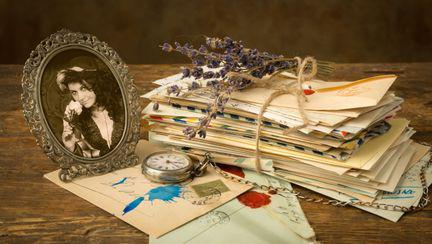 ceas vechi, rama foto, scrisori