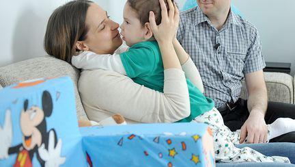 Tratament cu celule stem pentru micuțul Alex