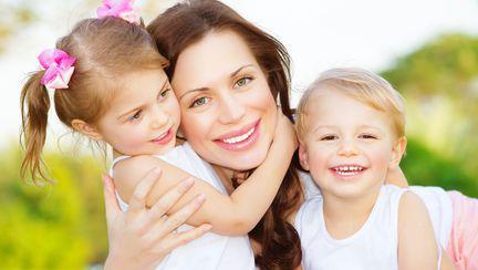9 trucuri pentru a crește un copil optimist