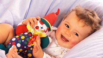 Cum își exprimă bebelușii emoțiile