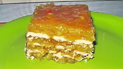 Tort de biscuiţi cu mere