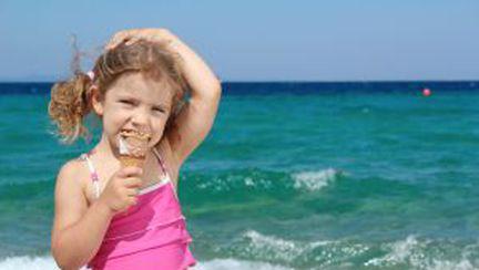 Mai vrea cineva: mare sau înghețată?