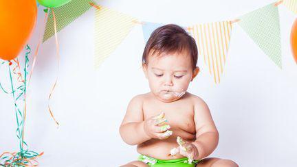 Cum se dezvoltă simțurile bebelușului în primul an