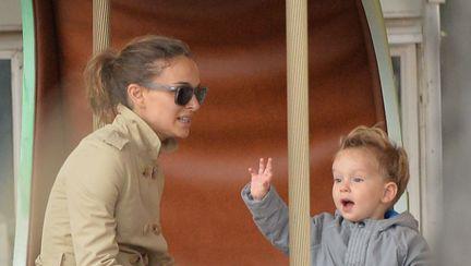 Natalie Portman și Aleph la Paris – uite ce dulce e băiețelul actriței!