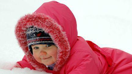 Cum îngrijești pielea bebelușului iarna