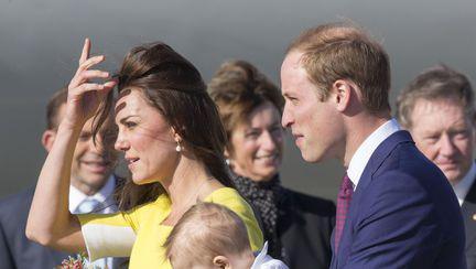 "Prințul William: cu micuțul George la ""serviciu"""