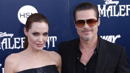 E oficial: Angelina Jolie și Brad Pitt s-au căsătorit!