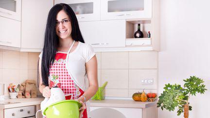 Câte calorii arzi făcând treabă în bucătărie