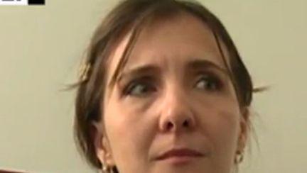 Ana Maria, mama care a fugit cu copiii de frica soțului violent, a fost arestată