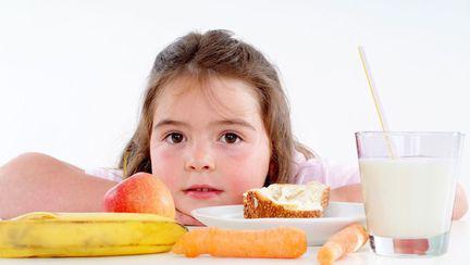 Superalimentele la copii: ce trebuie să facă parte din meniul zilnic al micuților
