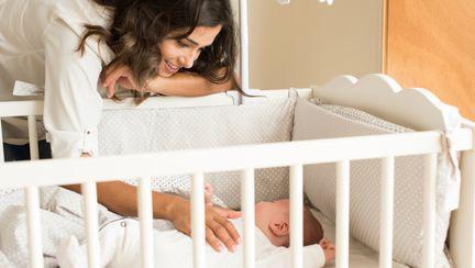 4 moduri de a-ti ajuta bebelusul sa doarma mai bine si mai mult noaptea