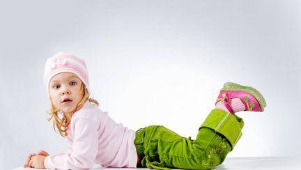 (P) Sfaturi pentru mamici: la ce sa fie atente atunci cand cumpara haine pentru copii