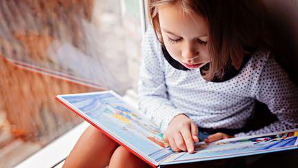 Deschide-i gustul pentru lectură cu cărți pentru copii atractive
