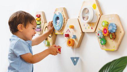 (P) Alegerea jucăriei potrivite în dezvoltarea abilităților la copii