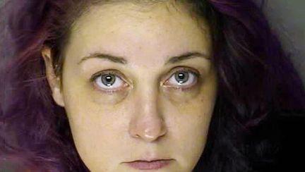 O femeie a fost condamnată la 40 de închisoare după ce și-a aruncat nou-născuții la gunoi