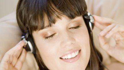 Da muzica mai… incet