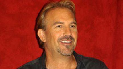 Kevin Costner, cântăreţ de muzică country