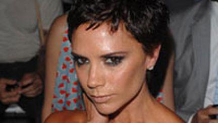Victoria Beckham: la tunsoare nouă, linie vestimentară nouă