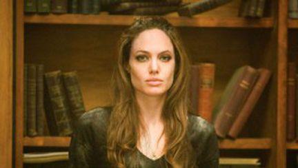 Angelina Jolie pregăteşte revenirea în public
