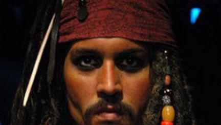 """Johnny Depp, îmbogăţit de """"Piraţii din Caraibe IV"""""""