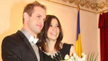 În ciuda zvonurilor, Sorin de la Akcent nu divorţează