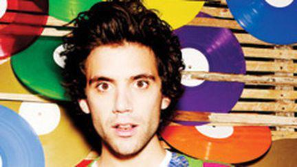 Mika lansează un nou single şi un nou album (video)